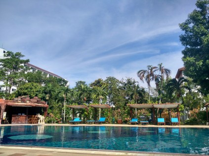 Pool Pinnacle Grand Jomiten